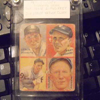 1935 Goudey Brooklyn Dodgers four panel card