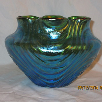 Loetz Russian-Green Ciselé Wellenoptisch 1904 - Art Glass