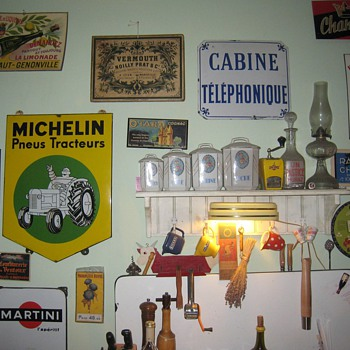 French Picker Kitchen 2 - Signs