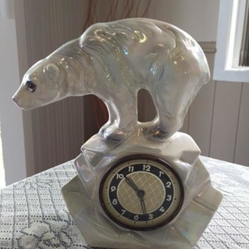 Jema Holland Single Polar Bear Mantle Clock numbered (438) - Clocks