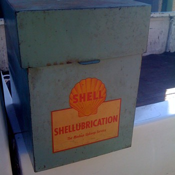Cool Shellubrication File Box with keys - Petroliana