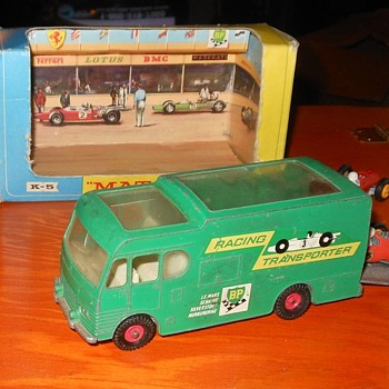 Matchbox King Size K-5 Racing Car Transporter - Model Cars