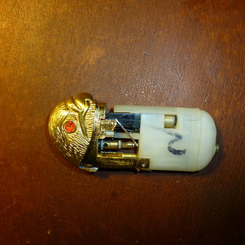 What is this Gold Lighter? - Tobacciana