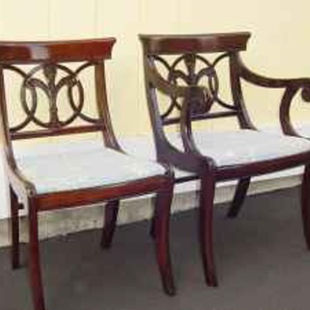 Mahogany Fleur-de-lis Dining Chair
