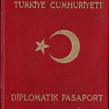 1950 Turkish diplomatic passport - Paper