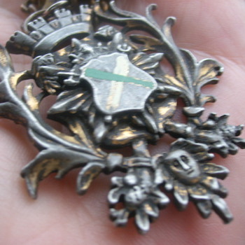 Coat of Arms ??? - Costume Jewelry