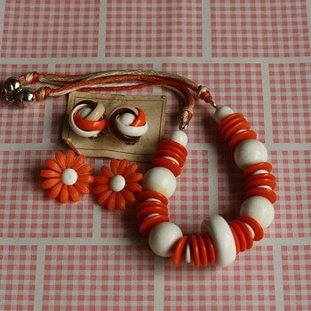 Orange splash necklace and earrings - Costume Jewelry