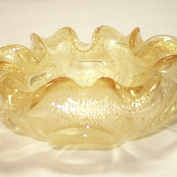 "Murano Gold Flake Pale Yellow Bowl""XX Century"" - Art Glass"