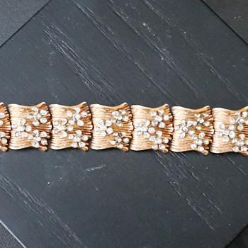 Vintage Hobe Gold Tone & Rhinestone Bracelet