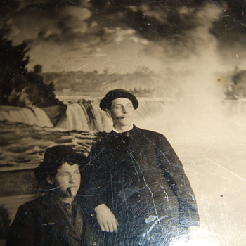 Niagara Falls Backdrop in early photography
