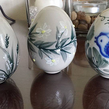 Art Pottery Hand Painted Eggs