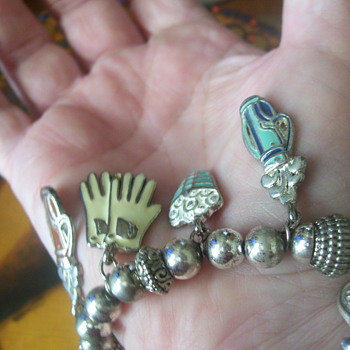VINTAGE GOLF RELATED CHARM BRACELET WITH LARGE ENAMELED FUNKY CHARMS!  COOL!