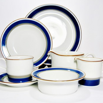 EYSTEIN SANDNES   1927-2006 - China and Dinnerware