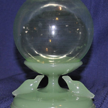 houze glass seal ivy ball - Art Glass