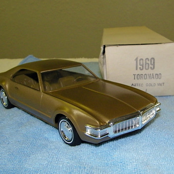 A few Oldsmobile Promo Model Cars