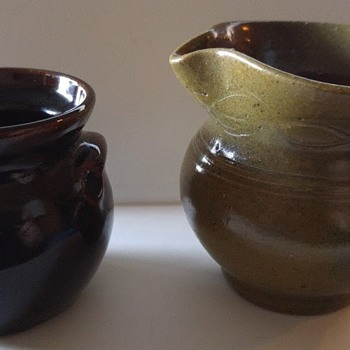2 Jugtown ware pieces - Pottery