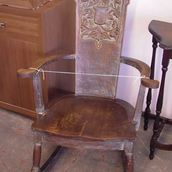 Distinctive Antique Rocking Chair Pls Help ID - Furniture