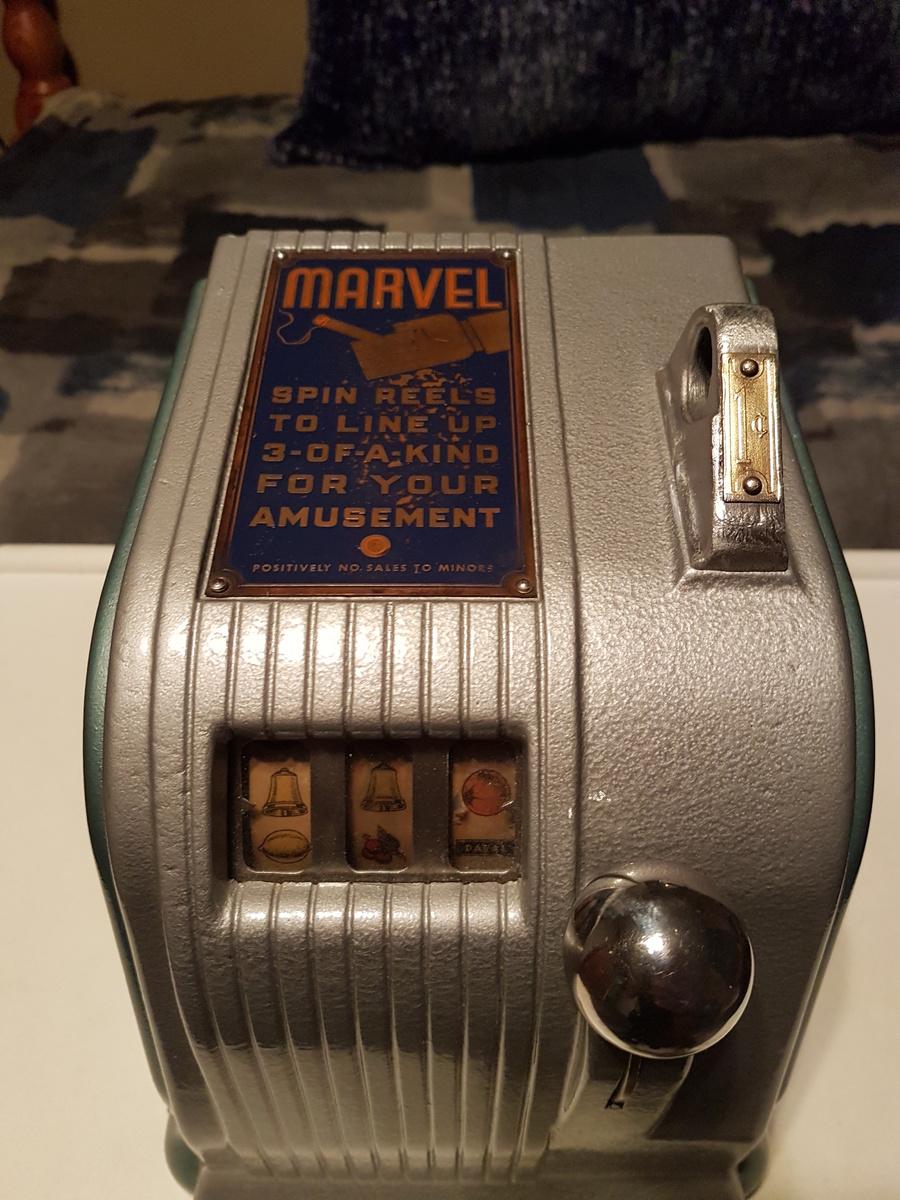 Daval marvel trade stimulator collectors weekly for Fishing bob slot machine
