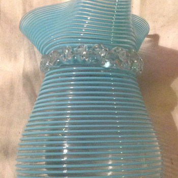 Victorian blue threaded glass vase with rigaree - Art Glass