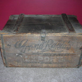 Antique original Grand Rapids Brewing Company Beer Crate