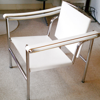 Le Corbusier chair (LC1) - Furniture