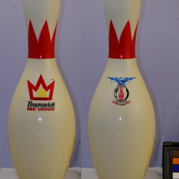 Brunswick Red Crown, Crown Medallion Bowling Pin - Sporting Goods