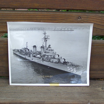 USS HAILEY DESTROYER - Military and Wartime