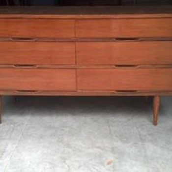 6 drawer dresser - Furniture