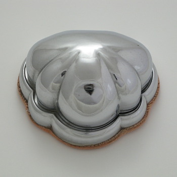 clam shell ring box - Fine Jewelry