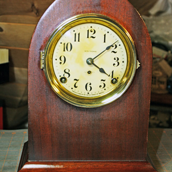 Seth Thomas Essex Beehive Shelf/Mantel Clock