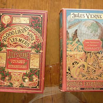 """""""Les enfants du Capitaine Grant"""" and """"Vingt mille lieues sous les mers""""  - Books"""