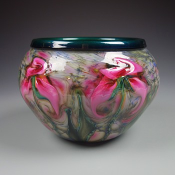CHARLES LOTTON PINK IRIS CYPRIOT BOWL - Art Glass