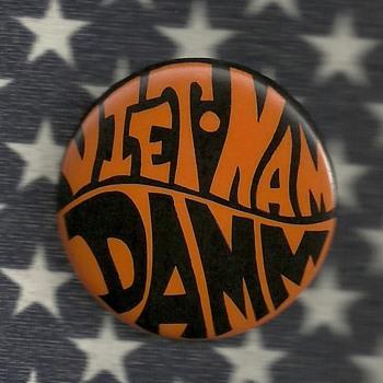 Undetermined Viet.Nam Damm Pinback button - Medals Pins and Badges