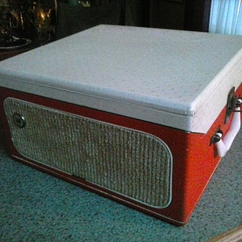 """Westinghouse"" Suit Case Style Portable Record Player Model 51 MP 2 / Circa 1950's"