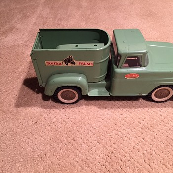 1965-66 Tonka Horse van #430 - Model Cars