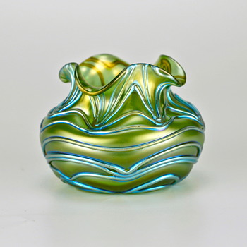 ...another early Loetz decor called Formosa - Art Glass