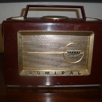 Admiral Radio model unknown NEED HELP - Radios
