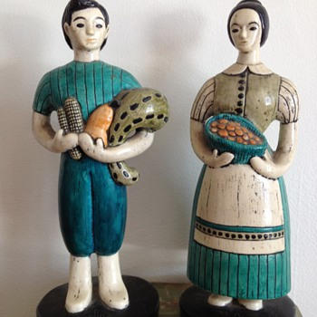 Folk-Style Farmer Figurines - Folk Art