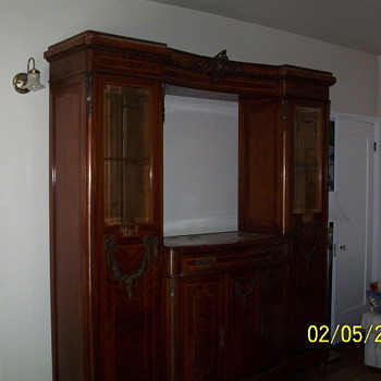 Dining room Italian hutch