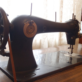 1860 Sewing Machine - Sewing
