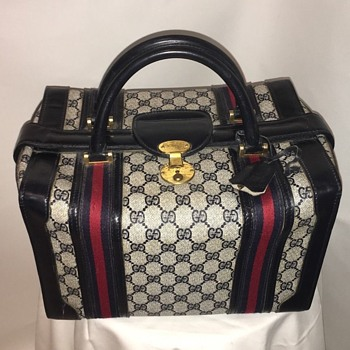 Vintage Gucci 3 lock Train Case in Navy Blue - Bags