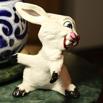 Ceramic Rabbit Pot-hugger?