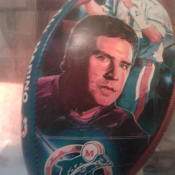 Dan marino stuff. - Football