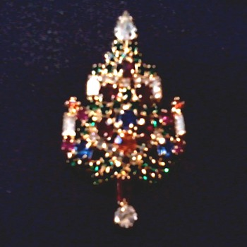 """Joseph Warner"" Christmas Tree Brooch /Circa 20th Century - Costume Jewelry"