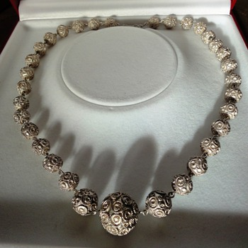 Antique silver filegree round beads necklace