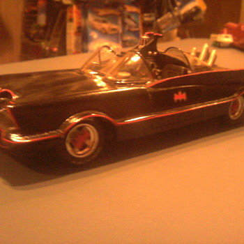 Resin Cast 60&#039;s Batmobile in 1/25 scale