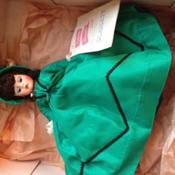 Madame Alexander Doll - Scarlett in Green Dress - Dolls