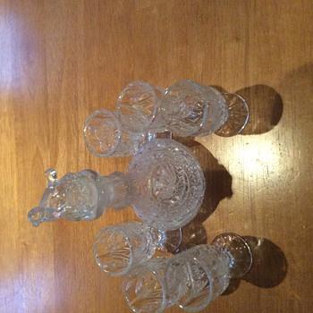 Beautiful decanter set. - Bottles