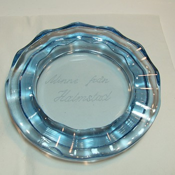 Blue Glass Ashtray with Etched Foreign Words - Tobacciana