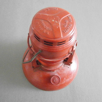 Antique Old Dietz No 40 Traffic Guard, Red Glass Oil Signal Lantern.